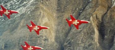 Axalp_F-5E_Patrouille_Suisse-565x250.jpg