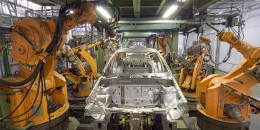 usine-robot-ligne-droite.jpg