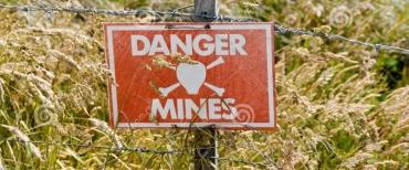 support-harriet-malouines-de-signe-de-champ-de-mines-23452019-845x475.jpg