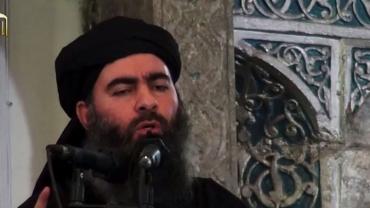 extrait-d-une-video-de-propagande-distribuee-le-5-juillet-2014-par-al-furqan-media-montrant-le-chef-presume-du-groupe-ei-abou-bakr-al-baghdadi_5149547.jpg