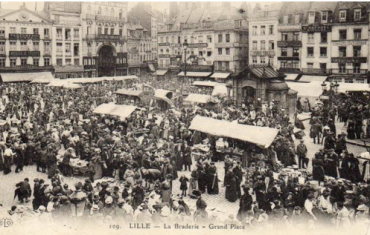 Braderie-Lille-ancienne.png