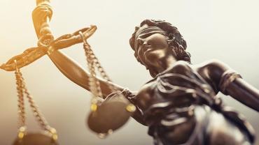 2199758-reforme-de-la-justice-a-armes-inegales-web-tete-0302152159526.jpeg