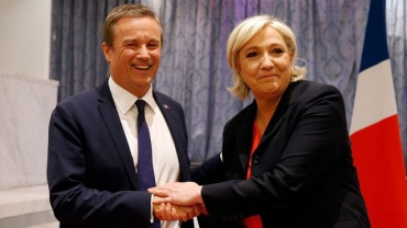 nicolas-dupont-aignan-president-de-debout-la-france-et-marine-le-pen-lors-de-leur-conference-de-presse-commune-le-samedi-29-avril-2017_5871497.jpg