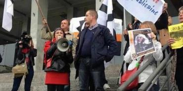 Brest._200_manifestants_réunis_-pour_exiger-la-fermeture.jpg