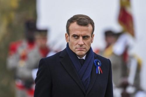 Macron-696x463.jpg