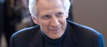 Dominique_de_Villepin_20100330_Salon_du_livre_de_Paris_2-565x250.jpg
