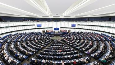 550px-European_Parliament_Strasbourg_Hemicycle_-_Diliff.jpg