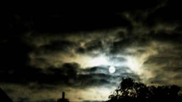 night-full-moon-gespenstig-blurry-dream-clouds-nightmare-darkness-955984-845x475.jpeg