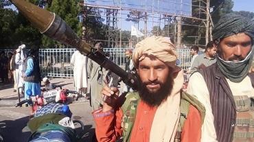 talibans-le-13-aout-2021-a-herat-lors-de-la-prise-de-la-troisieme-ville-d-afghanistan-5c4b92-0@1x.jpeg