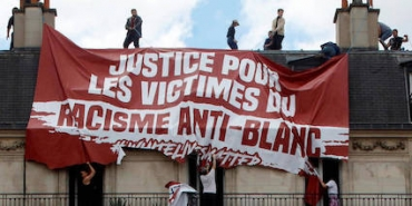 justiceicle-identitaire-banderole-jpg_7170097_1250x625.jpg