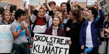 Manifestation-pro-climat-six-choses-a-savoir-sur-la-suedoise-Greta-Thunberg.jpg