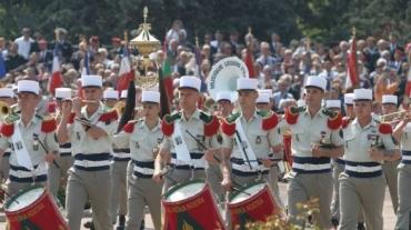 hymne-france-albanie-couac-militaires-588x330.jpg